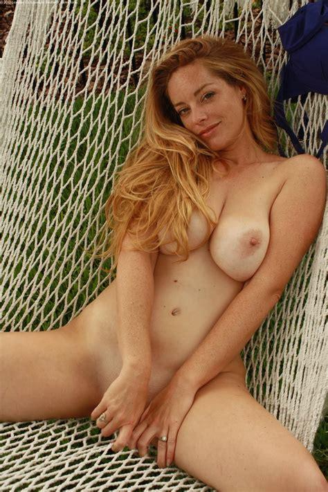 sexsexy naked women jpg 1333x2000