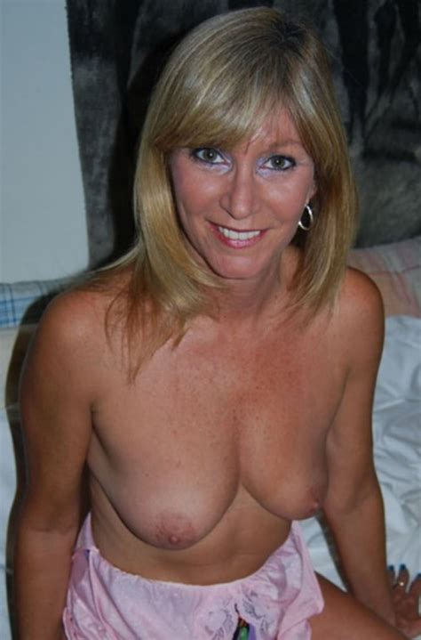 lonely married women with big tits jpg 675x1024
