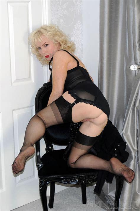 Stockings fucking free mature stockings porn videos jpg 851x1280